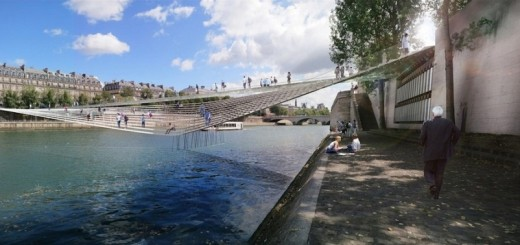 Pedestrian-bridge-across-the-Seine-in-Paris
