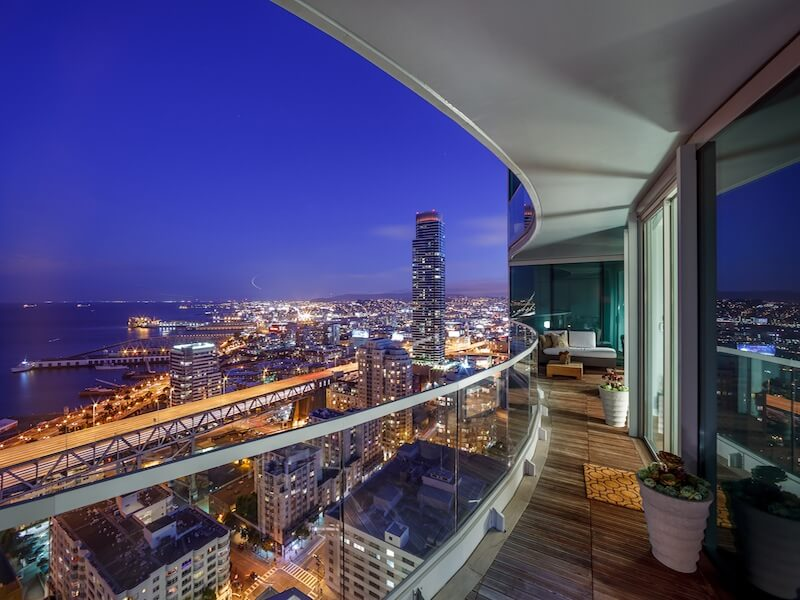Terrace with citi views Luxury Duplex Residence with Bay & City Views in San Francisco