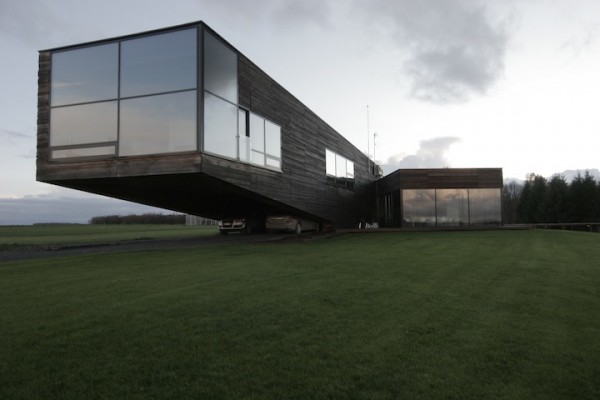 gllass house 600x400 Lithuanian architecture and interior design by Natkevicius & Partners