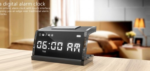 Alarm-clock-with-touchscreen