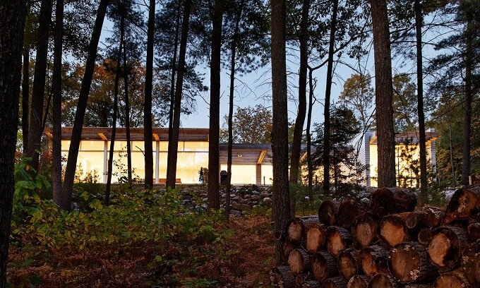 Carling residence in Canada Sustainable Home Surrounded by a Privileged Natural Setting