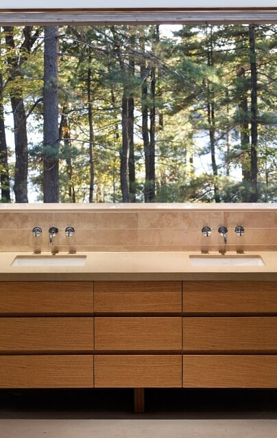 Minimalist bathroom furniture Sustainable Home Surrounded by a Privileged Natural Setting
