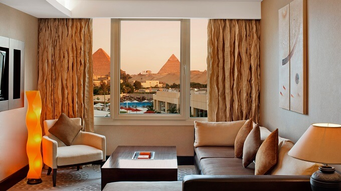 Modern-hotel-room-design