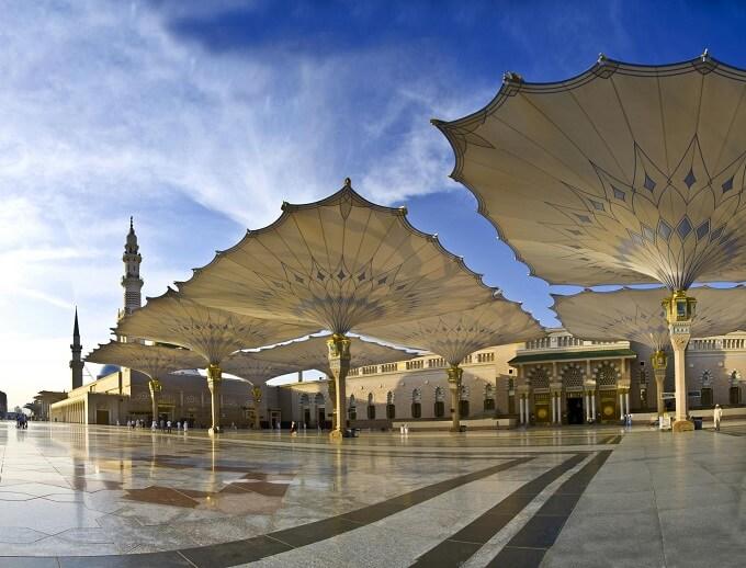 high tech giant umbrellas improve al masjid al nabaw