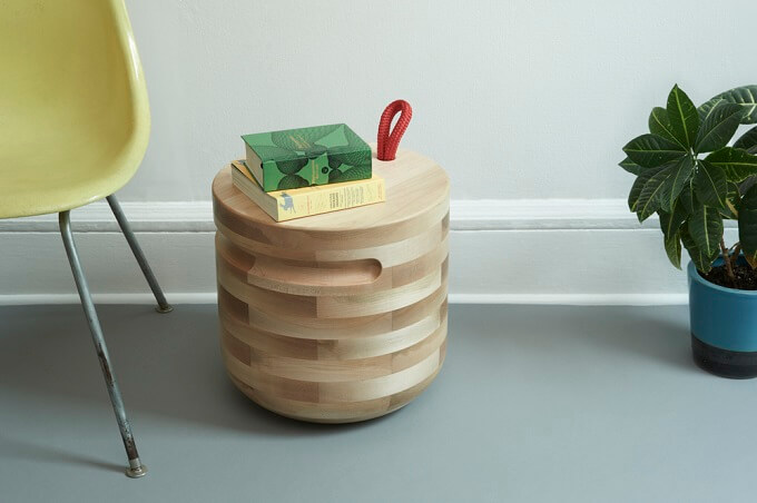 Natural-appearance-Plug-Table