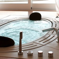 Sorgente-whirpool-tub-by-Teuco