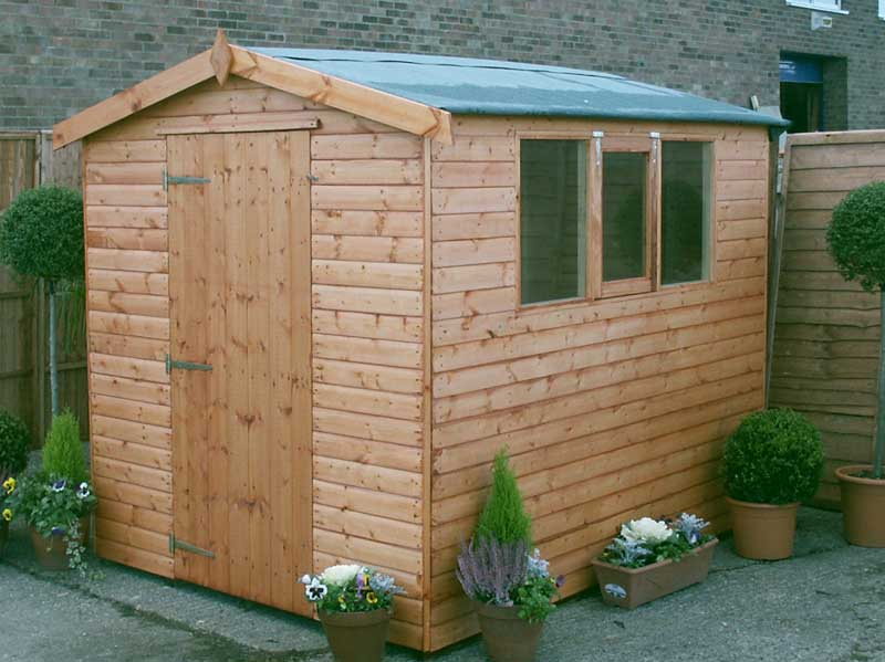4 reasons why you should build a garden shed