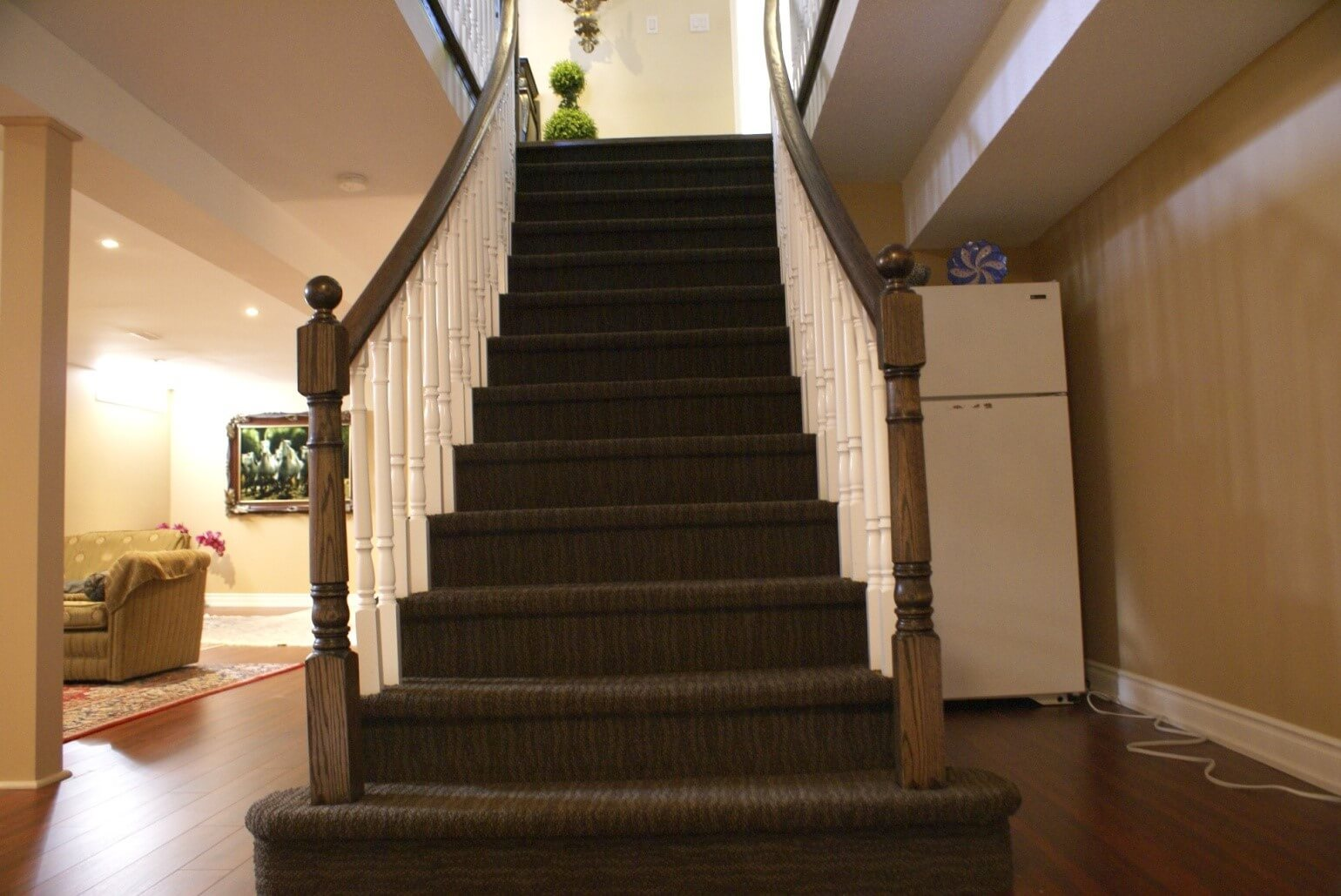 How to Lay Carpet Stairs When Going for Home Renovations ...