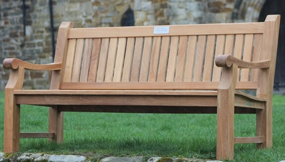 Benefits of choosing a teak wooden benches over other wood