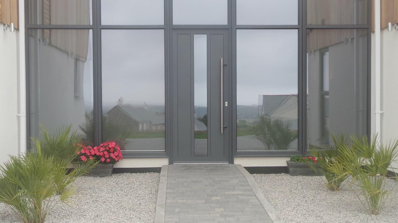 5 advantages of owning an aluminium front door – Interior Design ...