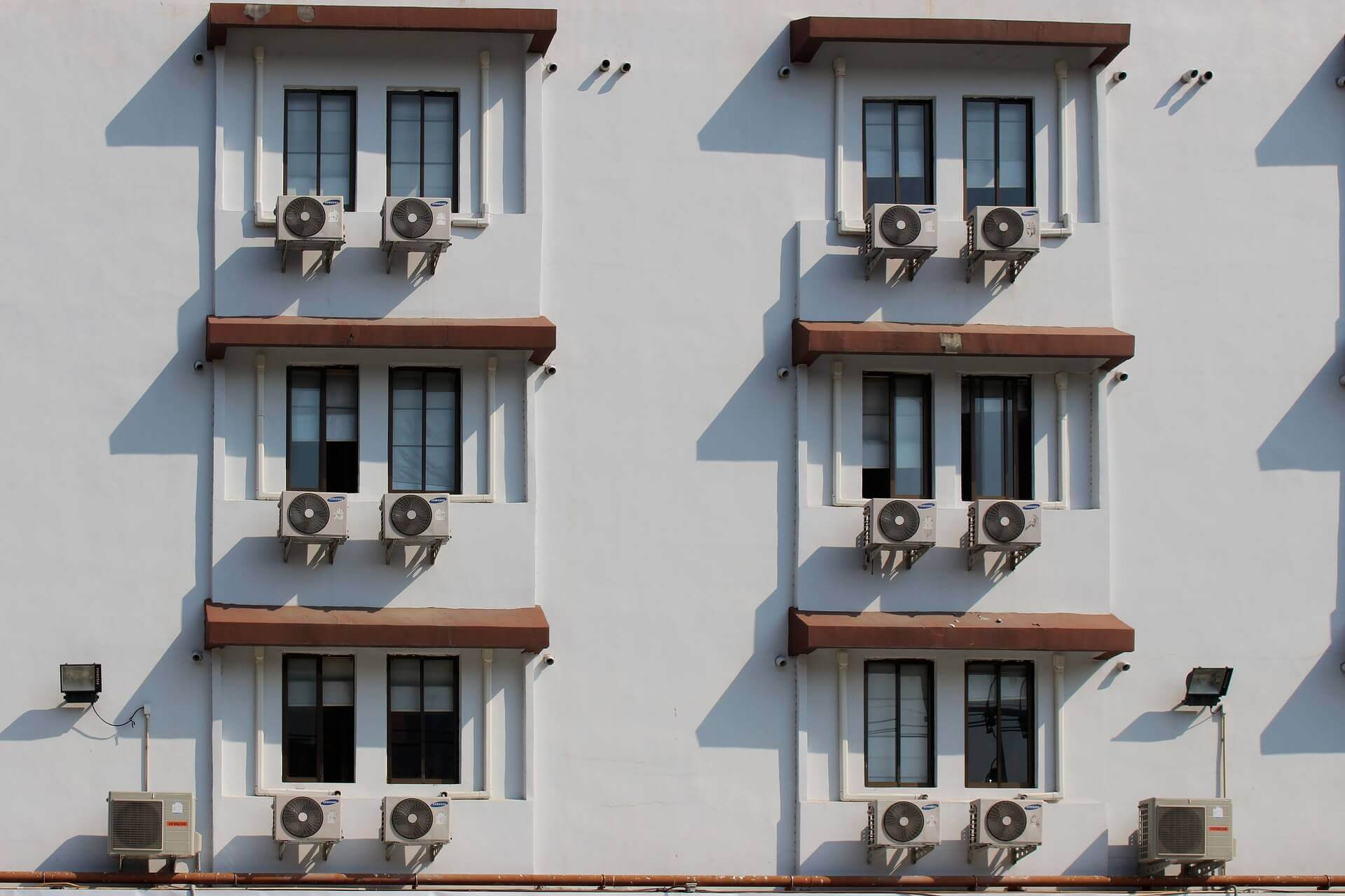 How air conditioning works in an apartment, car or mobile 67
