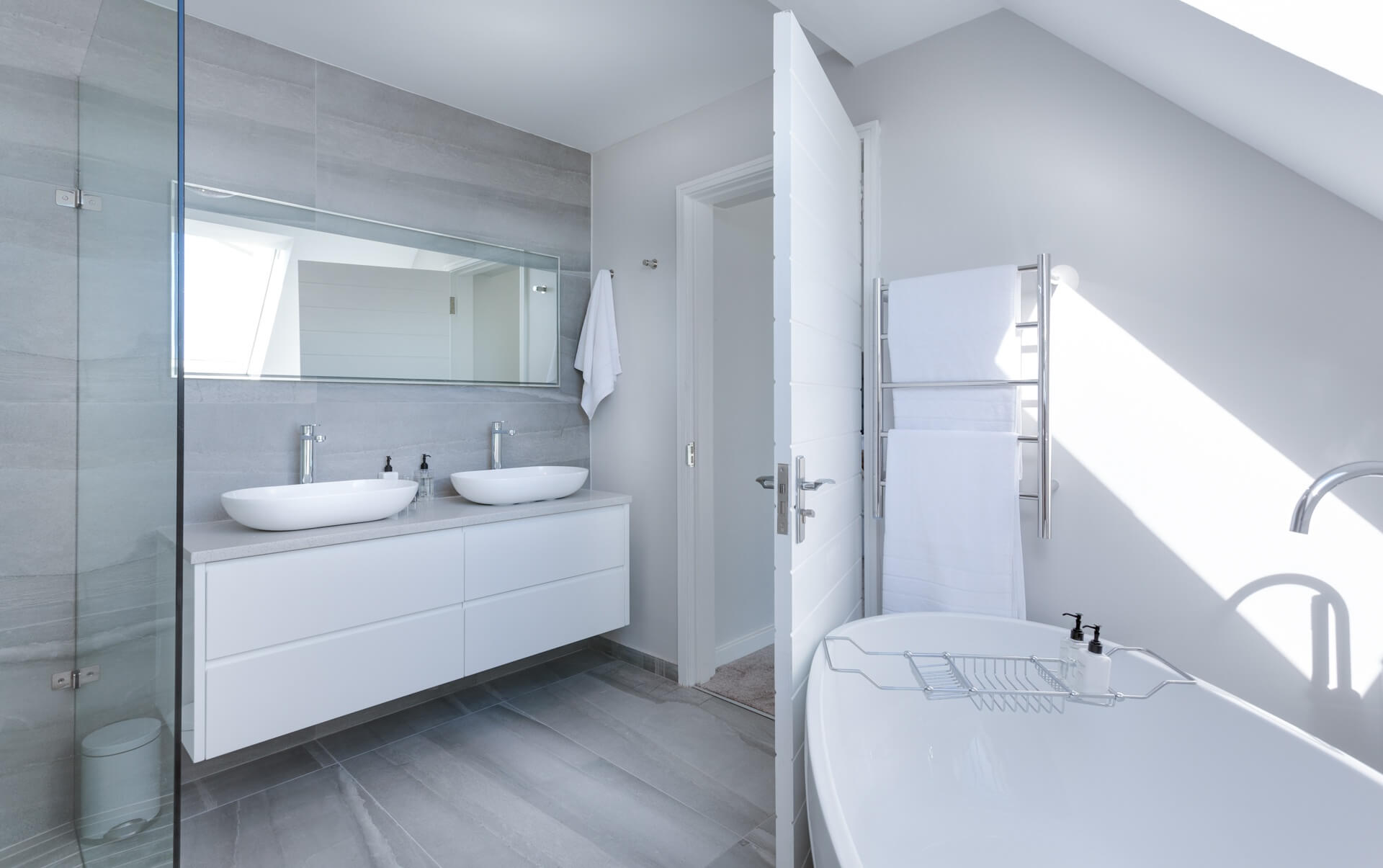 Functional Bathroom Designs To Your Future Home
