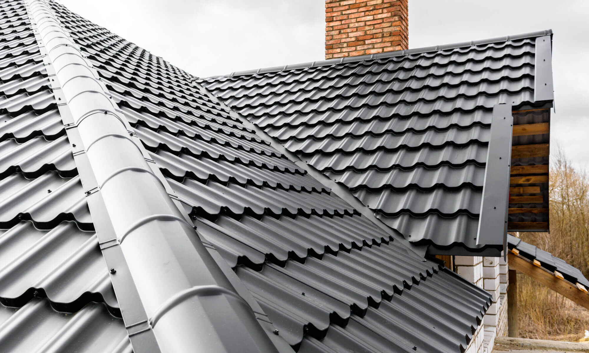 Explore The Pros Cons Of Metal Roofing For Taking An Educated Roofing Decision Interior Design Design News And Architecture Trends
